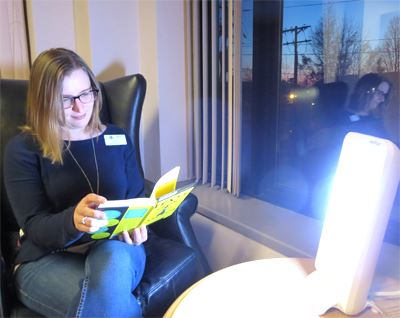 Using a Light Therapy Lamp for Beating the Winter Blues